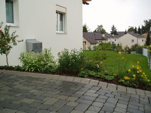 EFH-Trottensteig-Buelach-gartenbau_01