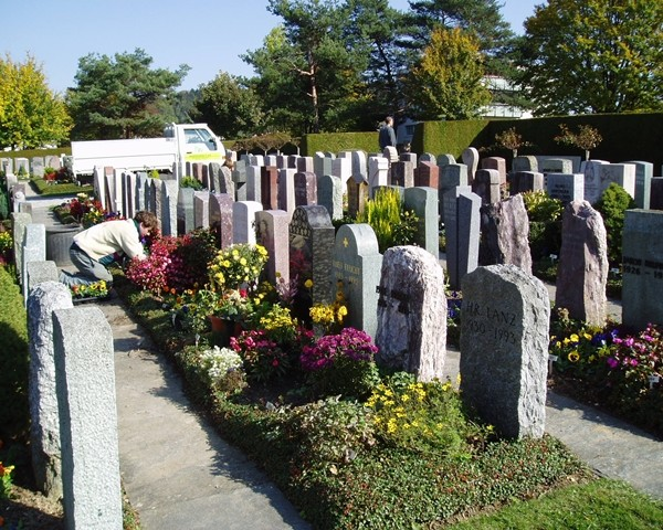 Friedhofunterhalt